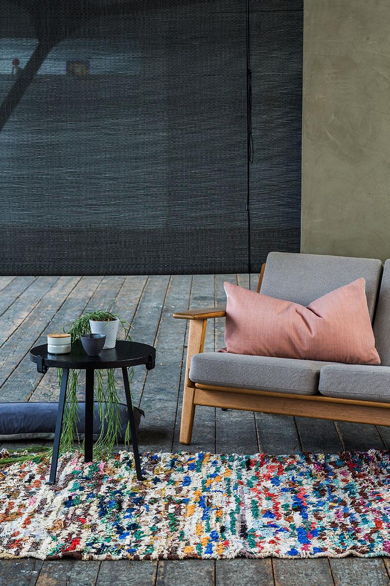 Rullegardiner i mørkebrun, bejdset bambus. rumdeling